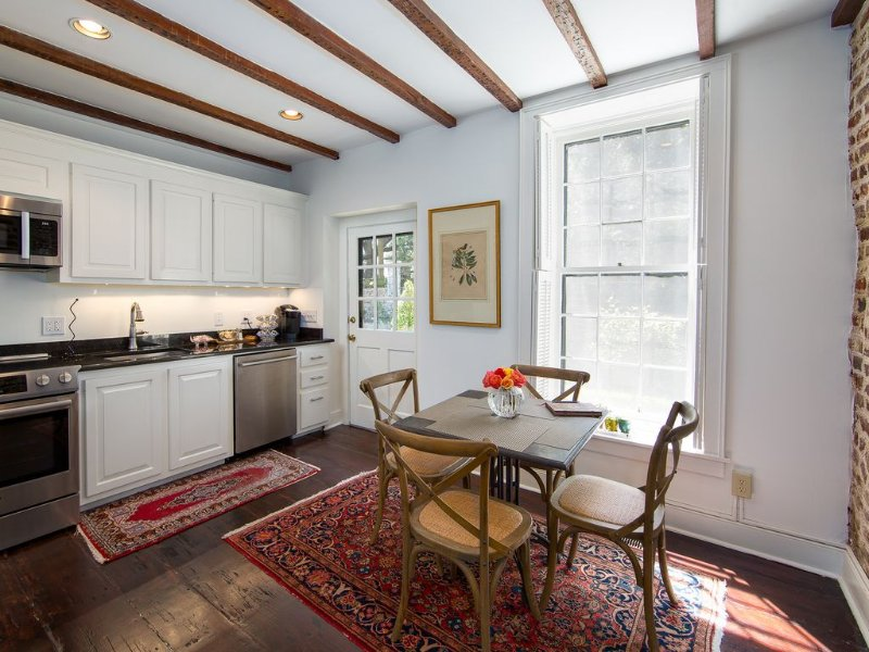 Charming mid 1700s Kitchen House, holiday rental in Charleston