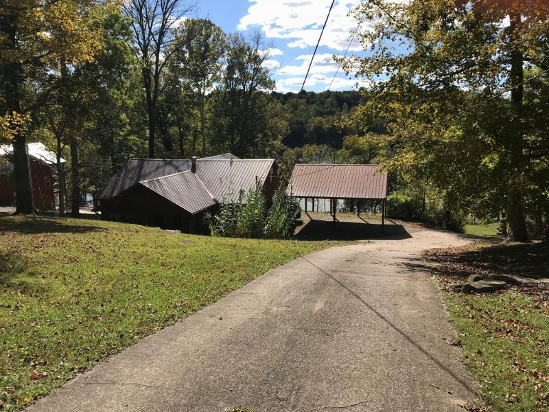 Lakeside Dreams - House Located On Beautiful  Nolin Lake In Mammoth Cave, KY, location de vacances à Mammoth Cave
