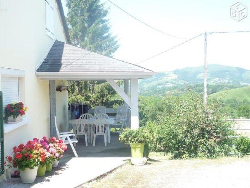Gite indépendant à la ferme  à 20 mn de La Pierre st Martin. Wifi., location de vacances à Pyrenees-Atlantiques