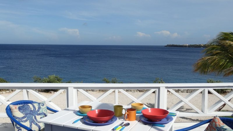 Discover Paradise from our Oceanfront 'Treasure' with Dazzling Sea Views! – semesterbostad i Curaçao