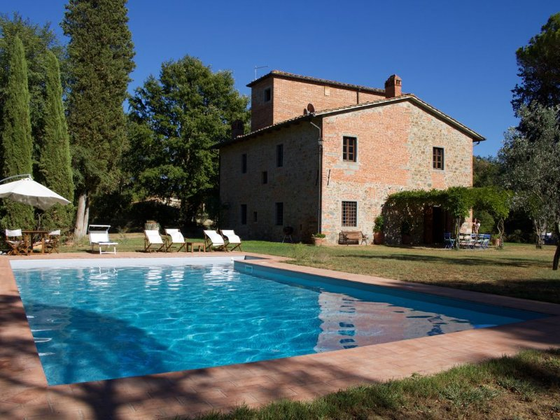 Salceta, a Tuscany Country House,  private pool. Near Florence, Siena, Arezzo, holiday rental in San Giustino Valdarno