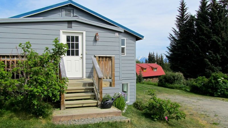 Alaska Holiday Home-Historic Home with Charm and Comfort, location de vacances à Homer