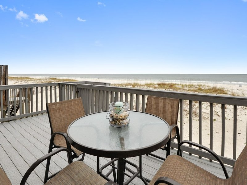 Sea Bell-Gulf Front House on W. Beach, 4 /3 Bath With Pool, Sleeps 12, holiday rental in Gulf Shores