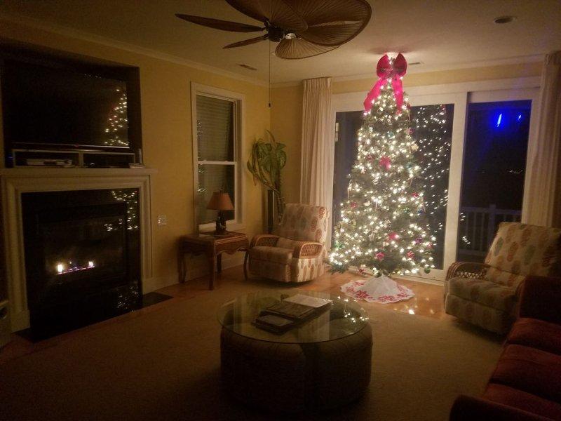 Weihnachtsschmuck, Kamin, und Deck (n) Meteorlichter für Gäste Dezember