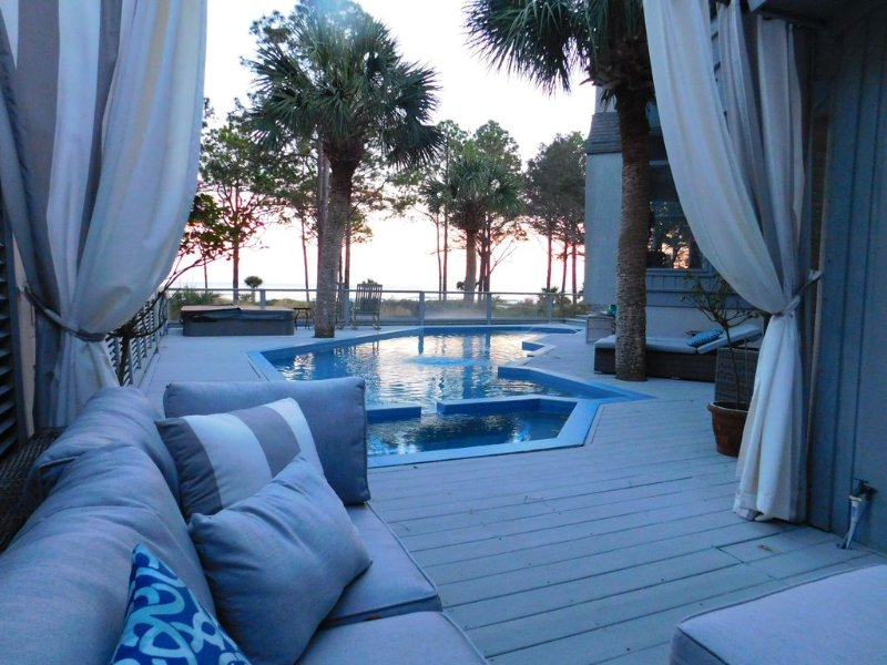 Only 1 week left for Summer 2021! Oceanfront Pool/HotTub,Private Path,Ping Pong, alquiler de vacaciones en Daufuskie Island