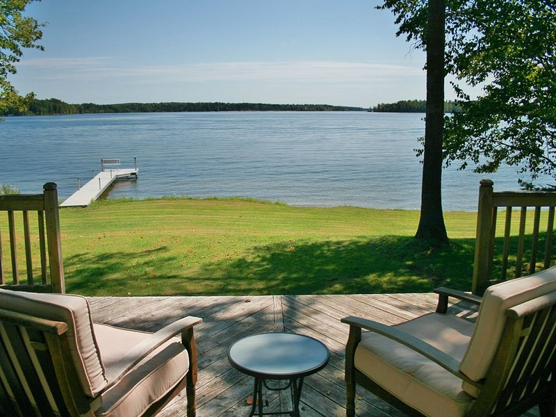 NEVAEH PROPERTIES - POKEGAMA LAKE - 'THE COTTAGE' (Adjacent cabins avail), holiday rental in Deer River