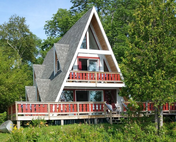 Mountain Lake Chalet, holiday rental in Harmony