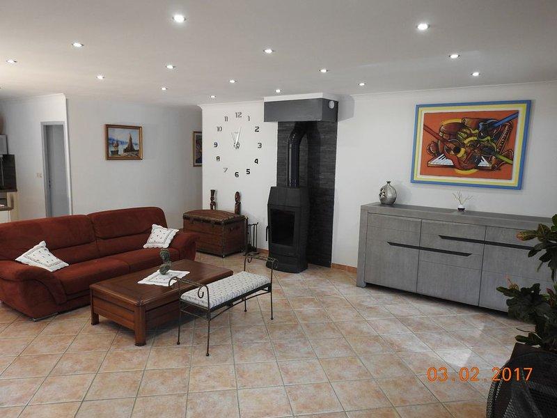 Belle villa spacieuse, trés bien équipée, 5 min des plages - proche Cassis, vacation rental in Ceyreste