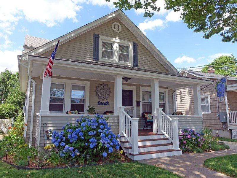 Quiet, Comfortable Retreat for Couples & Small Families - Belmar NJ, vacation rental in Belmar