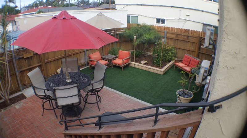 1 block from the beach, family friendly, w/ private backyard & air conditioning, vacation rental in San Diego