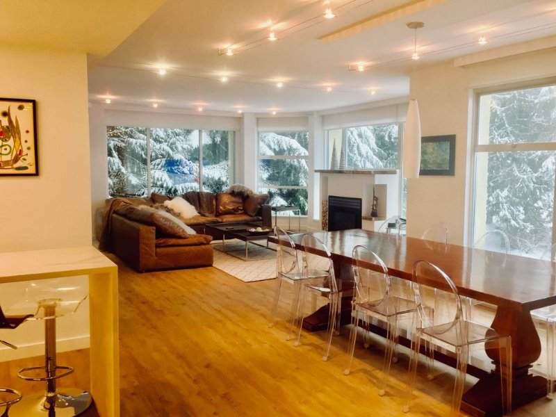 Begin Your Perfect Vacation At Our 3Bdrm  Ski-in-ski-out Whistler Condo!, vacation rental in Whistler
