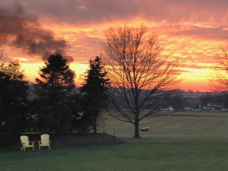 Pôr do sol no quintal