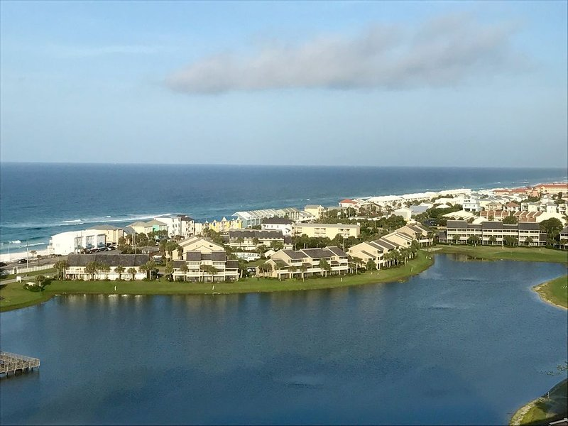 Luxury 16th Floor Condo with Breathtaking View! NEWLY PAINTED!, vacation rental in Miramar Beach