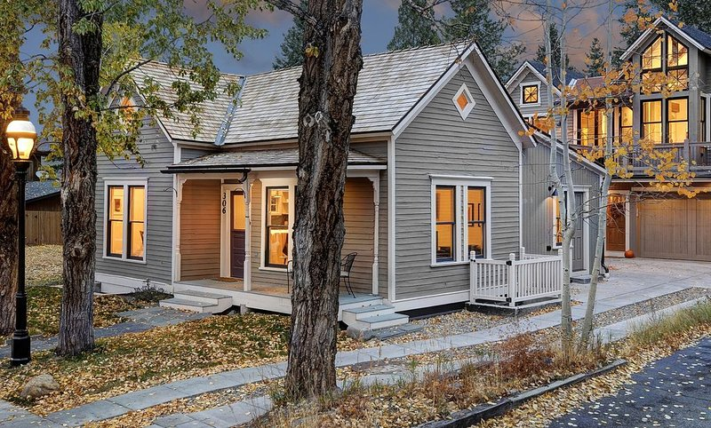 Historic Home Fully Restored With All New Modern Decor, vacation rental in Breckenridge