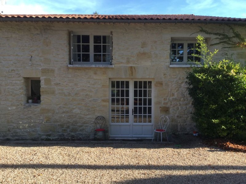 Environnement Exceptionnel  Demeure en pierre sur propriété viticole de 3 hect, casa vacanza a Arsac