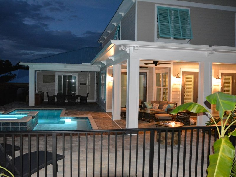 Luxury Rental-for those that expect high quality-Heated Swim Pool, Hot Tub &more – semesterbostad i Santa Rosa Beach