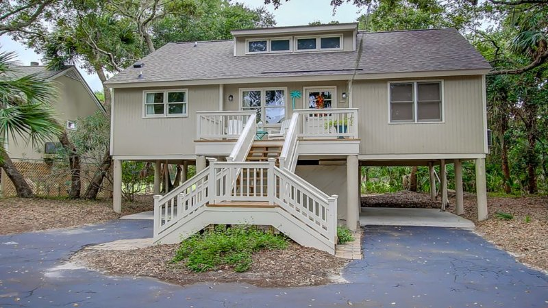 You have found the perfect beach cottage! Golf View, Bikes, & Xbox, vacation rental in Seabrook Island