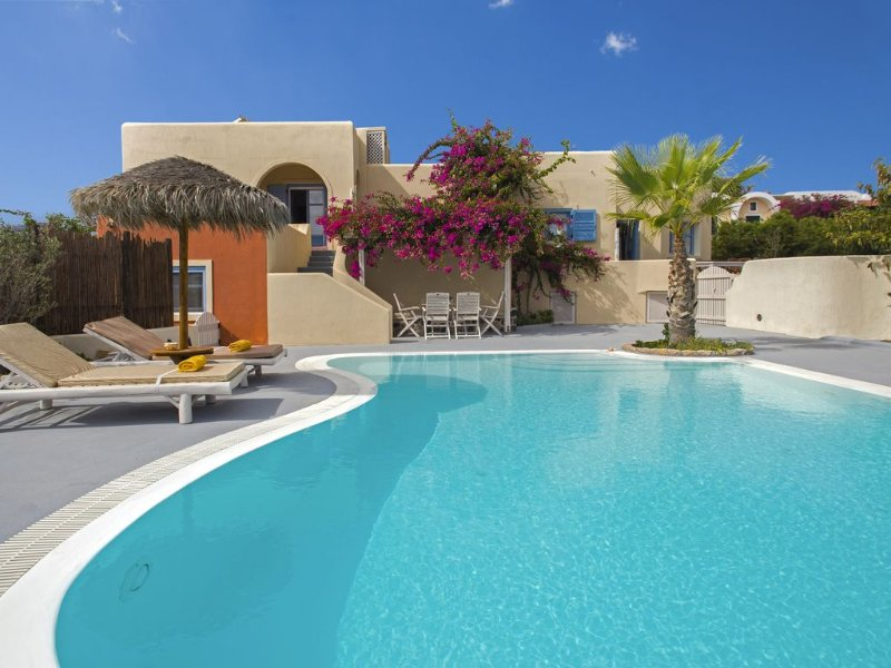 DAPHNE - Sunny villa with private Pool and Sea view, vacation rental in Monolithos