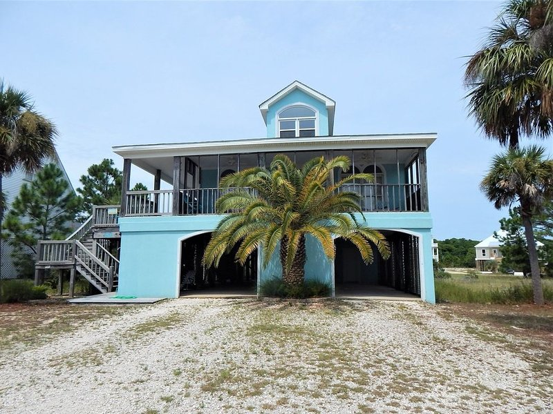 Nice Gulf View Home in Gated Desoto Landing, holiday rental in Dauphin Island