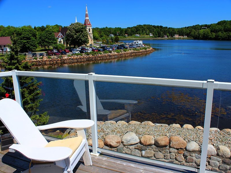 Sophisticated Condo, location de vacances à Mahone Bay