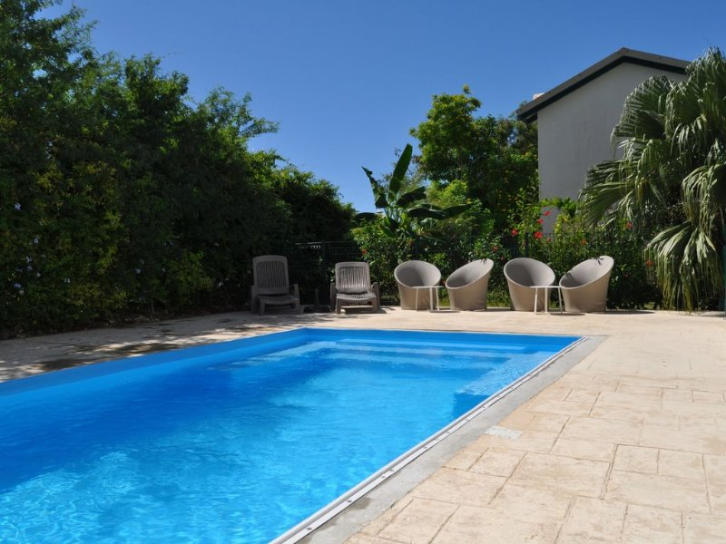 Villa with pool Sainte Anne in Guadeloupe, quiet, close to beaches, holiday rental in Sainte-Anne
