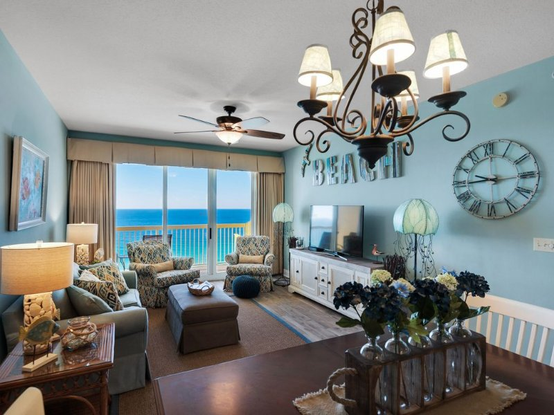 3br/2ba West w/'17 Beach Service/Chairs-Look*reviews-Discount week of 8/19-26/17, holiday rental in Panama City Beach