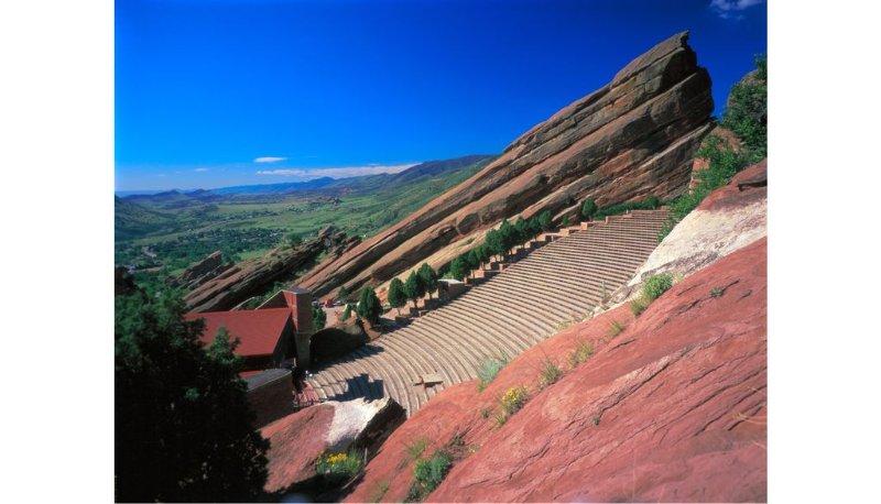 Red Rocks Amphitheater 16,5 mi ouest du Snug.