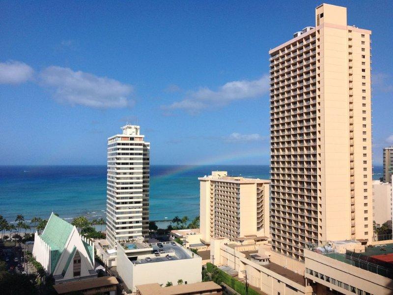 Nouvellement rénové Waikiki Ocean View Condo
