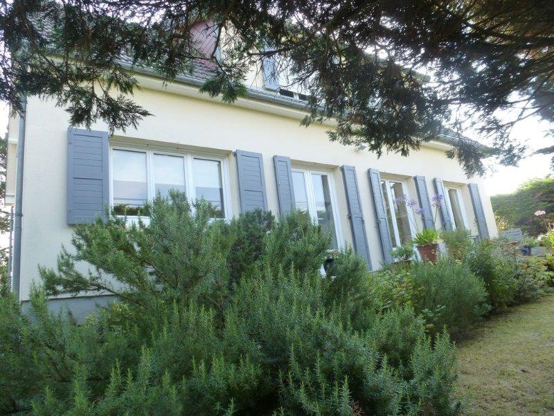 Maison individuelle de bord de mer,spacieuse et confortable, grand jardin clos, vacation rental in Agon-Coutainville