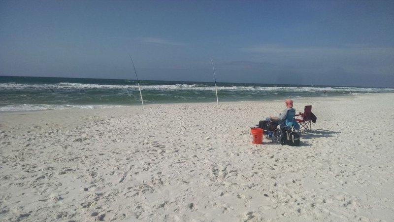 Disfrutar de la pesca de relax en la playa