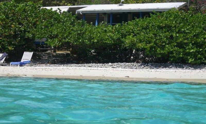 A voir de snorkelers Cottage Beach.