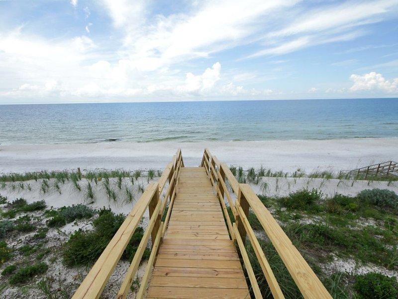 Private Beach Access! 8200 E Co Hwy 30A by Royal Destinations-Gulf Front, casa vacanza a Alys Beach