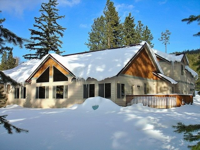 Luxury Vacation Home near the Lake!  Hot Tub | Pool Table *Near Suncadia*, vacation rental in Ronald