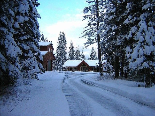 Incredible Aspen Lodge! Year Round Specials | Hot Tub | Sledding Hill | 5 AC, casa vacanza a Cle Elum