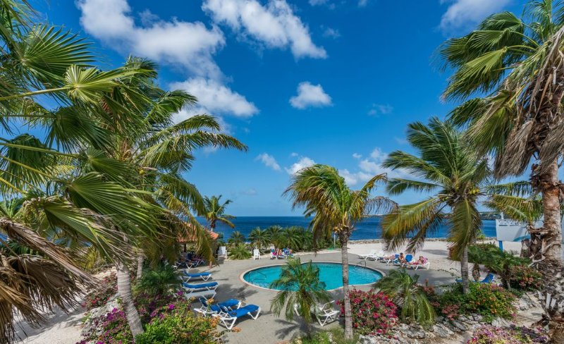 Oceanfront Bungalow 3 BR 3 Bath w/glorious views!, location de vacances à Curaçao