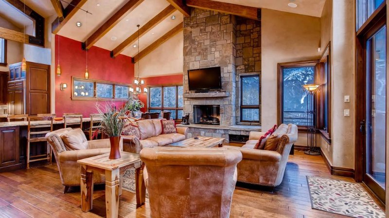 Lewis Ranch Lodge: True Ski-in/Out Home, Private Hot Tub, Pool Table, Theater, vacation rental in Copper Mountain