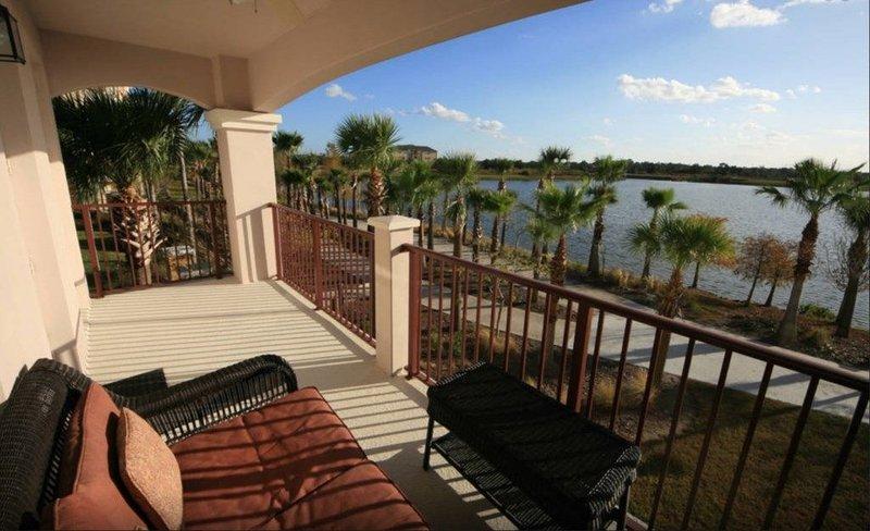 Premium Lakeview Condo [CDC APPROVED] - 1002, location de vacances à Pine Castle