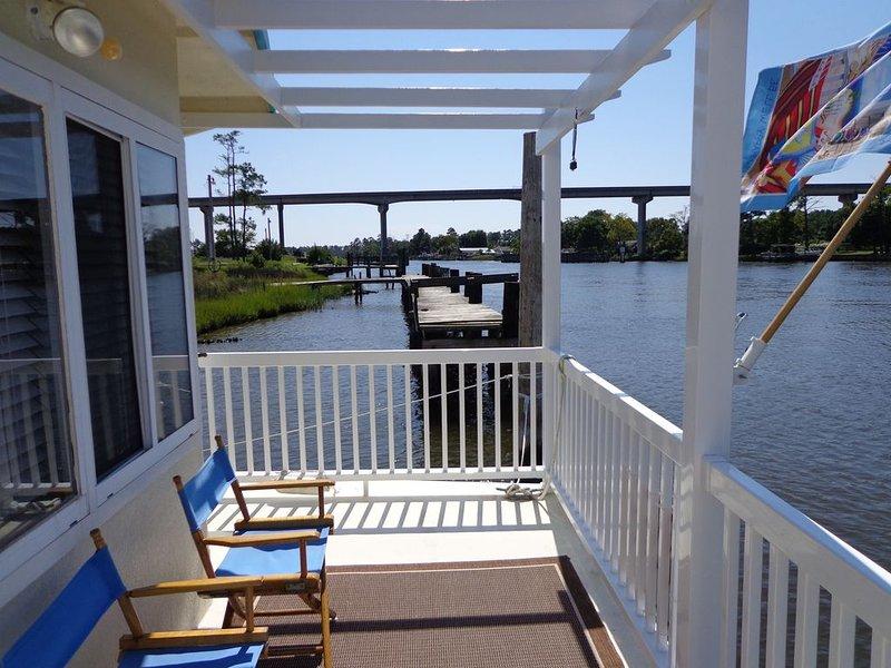 Waterway-Floating Condo -Intracoastal Waterway- Snowbirds welcome!, alquiler vacacional en Arapahoe