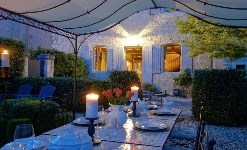 Ancient, fully restored, 13th century medieval village house with garden & patio, holiday rental in Castillonnes