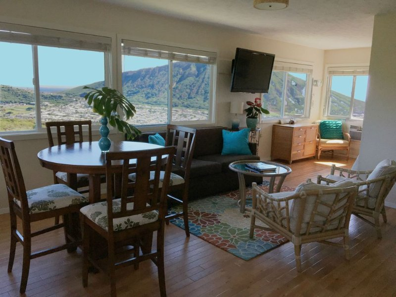 Stunning Ocean, Mountain & Marina Views, Gorgeous Air Conditioned Guest House!, alquiler de vacaciones en Oahu