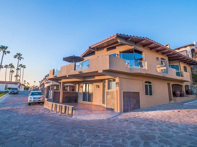 WOW! Your Best Value GUARANTEED in writing!-New Ocean Home in Las Gaviotas, aluguéis de temporada em Baja California Norte