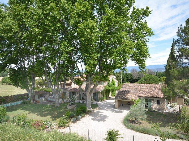 Bastidon de caractère (50 m2) entre Aix en Provence et le Luberon, holiday rental in Aix-en-Provence