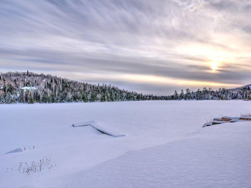 vue du lac en hiver