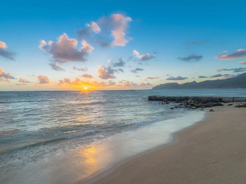 Notre front de mer au lever du soleil