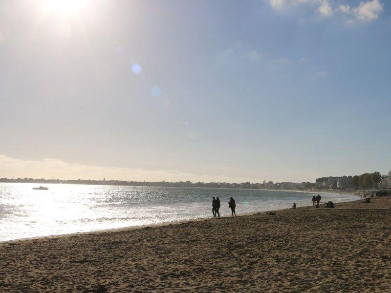 La plage et son sable fin, photographiée depuis Pornichet.