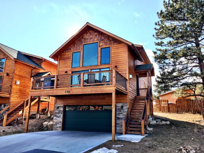 New Luxury Cabin in Estes Park (3166) No Cleaning Fee, vacation rental in Estes Park