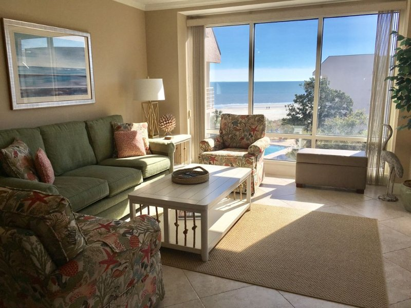 Stop Here! Can't Beat This Villamare Top Floor Vacation Spot, holiday rental in Hilton Head