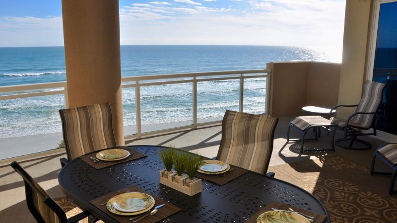 Premier Direct Oceanfront Huge Private Balcony, holiday rental in Daytona Beach Shores