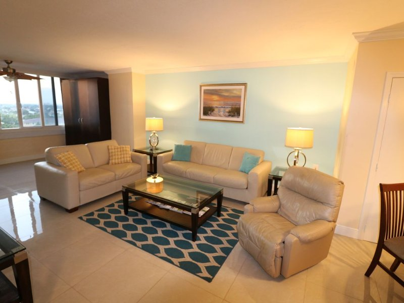 Newly Renovated! 1 Bedroom, 1 Bath Sleeps 6 Comfortably, alquiler de vacaciones en Fort Lauderdale