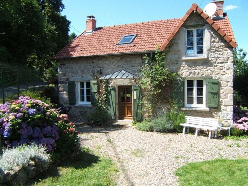 Auvergne,  Montagne Bourbonnaise (Allier),  Fermette 3 ***, holiday rental in Saint Bonnet des Quarts